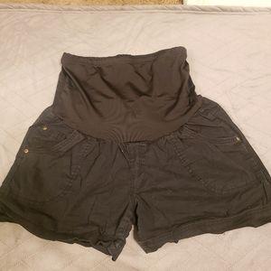Black maternity shorts size L